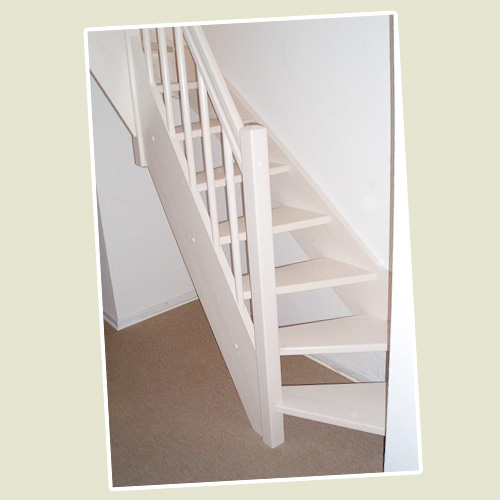 Treppe_weiss